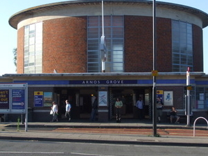 Arnos Grove estación