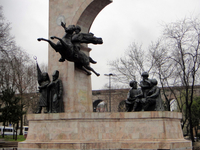 """Mártires de la Aviación """"Monumento"""