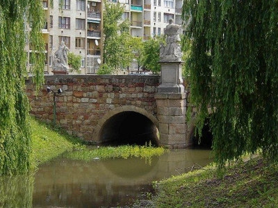 Barock Bridge, Vác