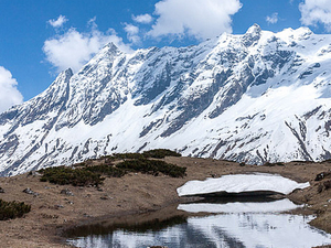 Trekking in Manaslu Circuit Nepal Photos