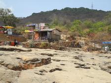 Bhushi Dam Shops & Restaurant