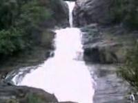 Bopath Ella Falls
