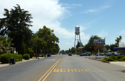 Ca Hwy 65 Through Exeter