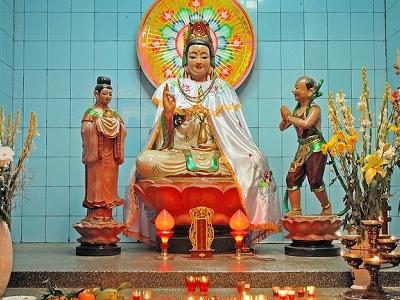 Can Tho - Guan Yin Dans Le Temple D'Ông