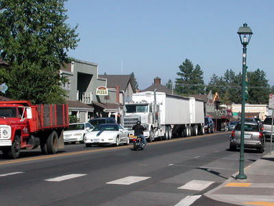 Cascade Avenue In Downtown Sisters
