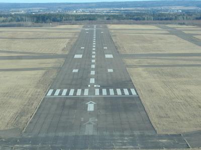 Final Approach To Runway 16