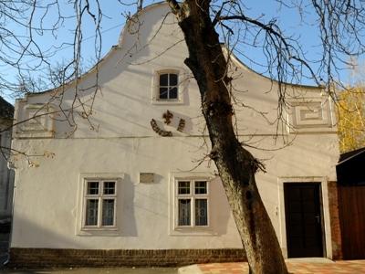 Century Cantor's House, Gyula