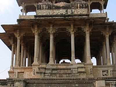 Chaurasi Khambon Ki Chhatri - Bundi