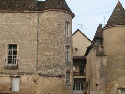 Castle Lugny