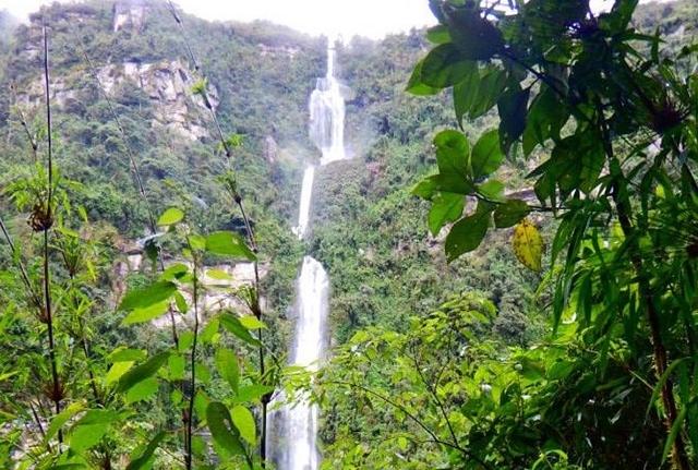 Tour To The Nature Waterfall Of La Chorrera Photos