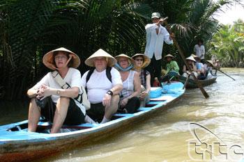 Con Phung Island