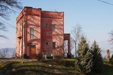 Crypt Villa, Fonyód