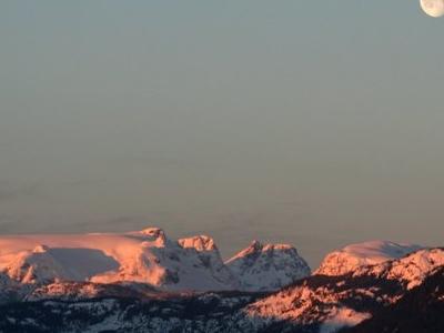 Comox  Glacier On A  February  Morning