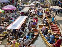 Half Day Floating Market (Damnern Saduak)