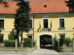 Húngaro Ambiental y Museo Waterbusiness - Danubio Museo