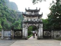 Dinh Le y Templos