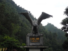 Elang Jawa - Eagle Sculpture