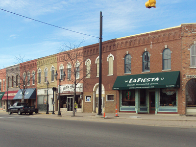 Dundee Historic District Along M