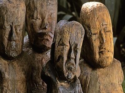 El  Manati  Wooden  Busts
