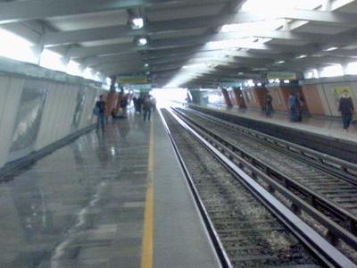 Metro Consulado