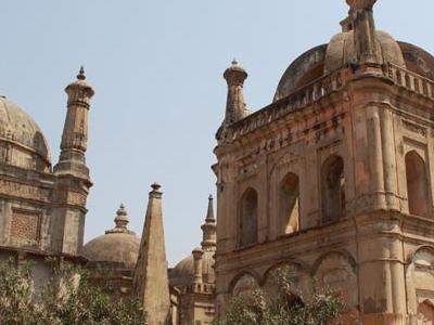 European-Tombs-Gujarat
