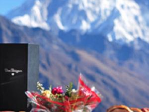 Breakfast at Everest Fotos