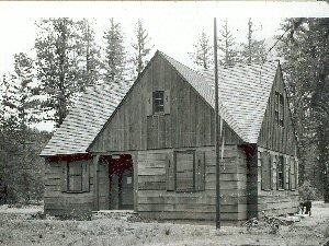 Early  Winters  Ranger  Station