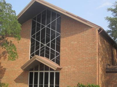 First  Baptist  Church   Hearne
