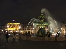 Fontaine De La Concorde At Night
