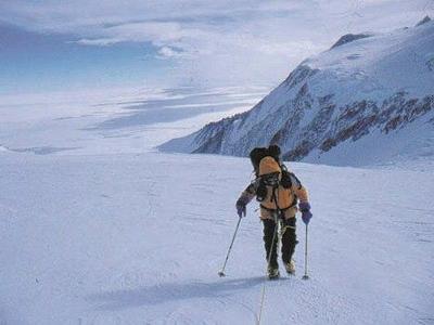 Gavin Bate Ascending Vinson Massif