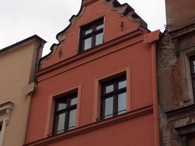 Gothic-Apartment-in-Torun