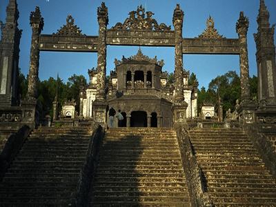 Grave Khai Dinh