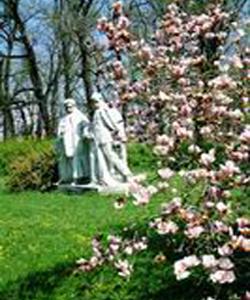 Group Of Statues-Dombóvár