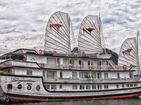 Ha Long Legends Travel Deal: Signature Cruise 3D/2N