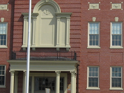 Hardin County Courthouse In Downtown Elizabethtown