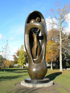 Henry Moore At Kew Gardens