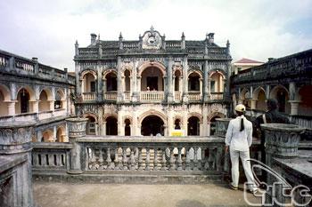 Hoang A Tuong Castle