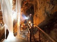 Hundalm Gelo e Caves Stalacite