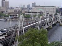 Hungerford Bridge y Golden Jubilee Bridges