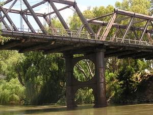 Hampden Bridge