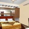 Hotel Raunak Plaza
