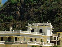 Ananda In The Himalayas (Narender Nagar)