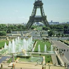 Jardins Du Trocadéro With Eiffel Tower