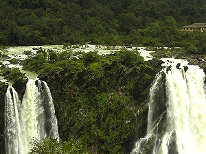 Family Vacation Western Ghats Hills And Water Fallsa Fotos