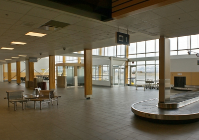 Kamloops  Airport  Arrivals