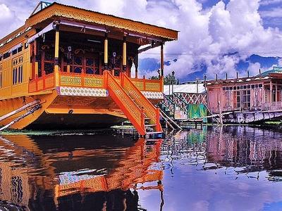 Kashmir Houseboats Srinagar