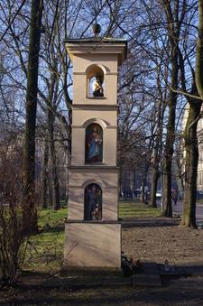 Kapliczka W Parku Krakowskim