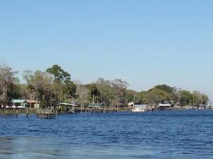Lago de la Media Luna Roja