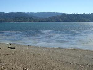 Lago Pillsbury