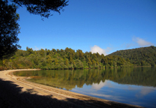 Lake Rotopounamu Track - Tongariro National Park - New Zealand